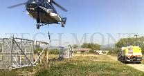 Helicopter Mi-8 / poles and steel structures